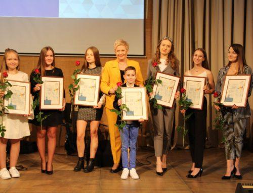 """Młode Talenty i Osobowości Kultury 2019 z """"Gwiazdy"""""""